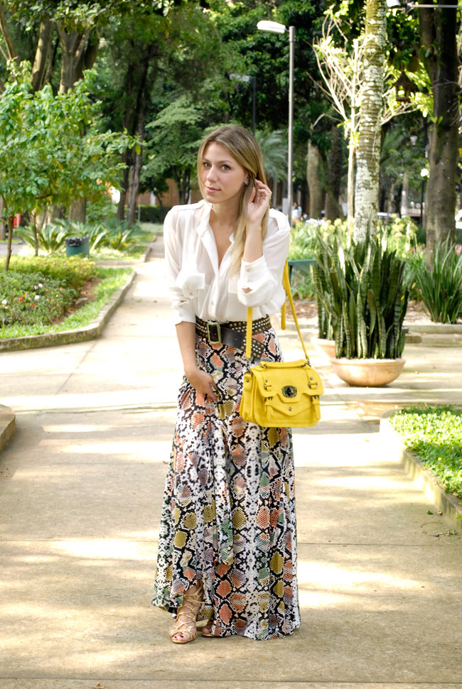 Look do dia - glam4you - nati Vozza - saia longa - camisa branca - bolsa amarela