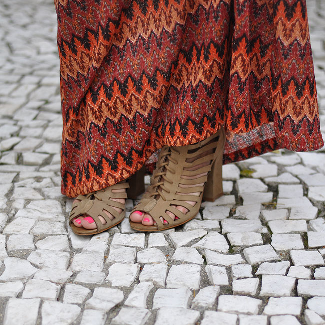 glam4you - nati vozza - look - blog - saia longa - estampa - missoni inspired - zig zag - camisa com nó - cores fortes - look do dia - bolsa ps1