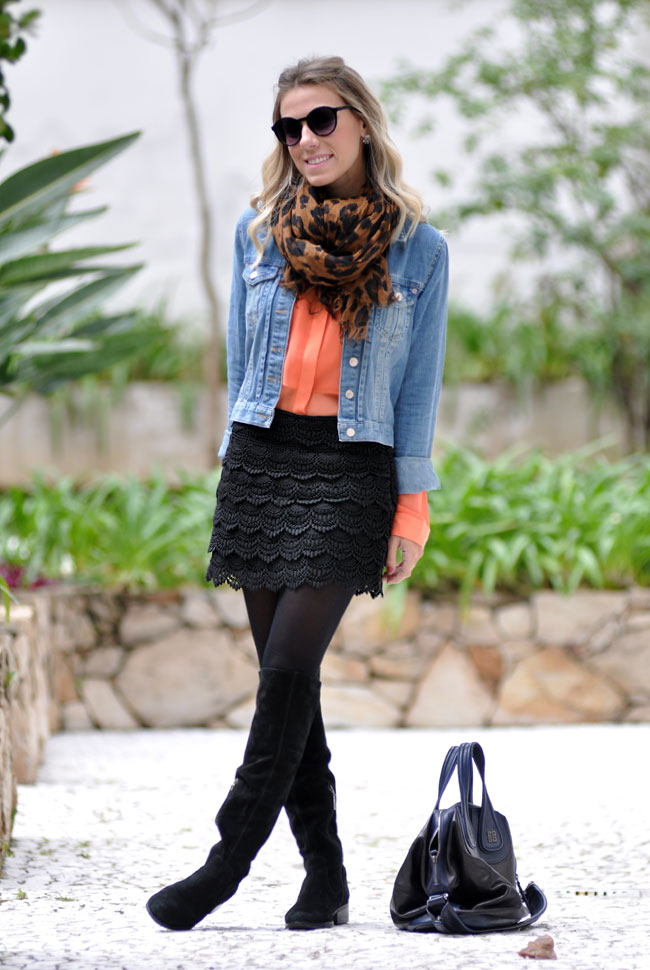 glam4you - nati vozza - look - saia - over the knee - boots - jaqueta jeans - camisa - laranja - preto e cor - lenco - onca