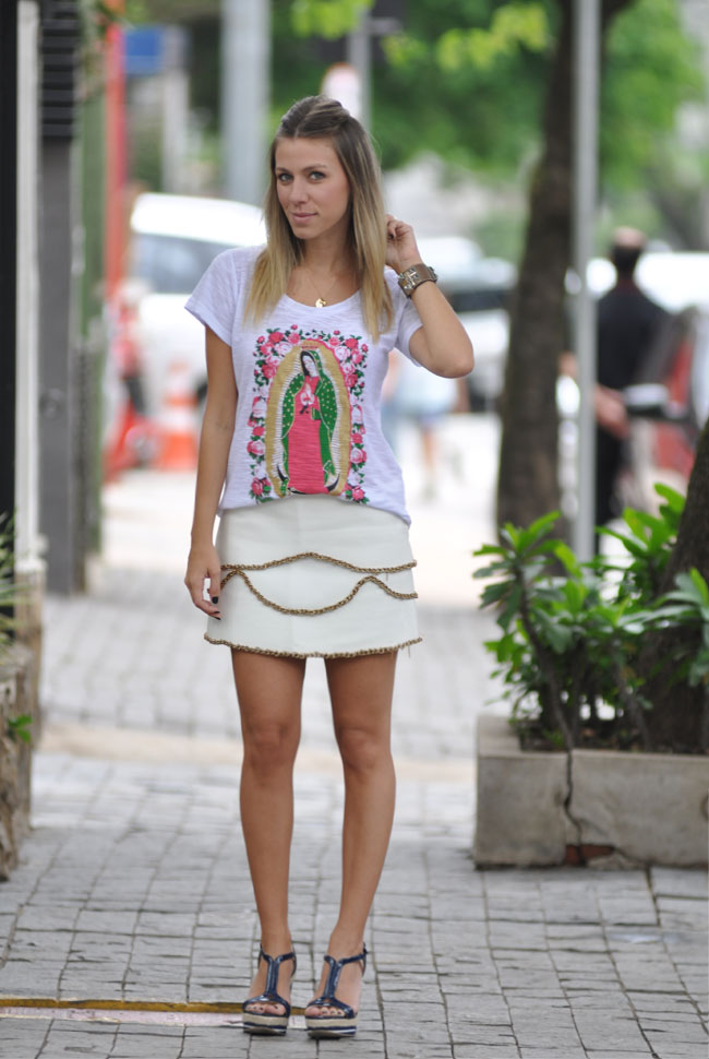 glam4you - summer - nati vozza - look - branco - white - saia - couro - estampa - santa - blog