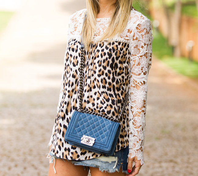 nativozza-glam4you-blog-vozza-look-jeans-chanel-onça-leopard-fashion-moda-1