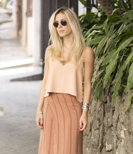 LOOK DO DIA COM SAIA MIDI E CROPPED