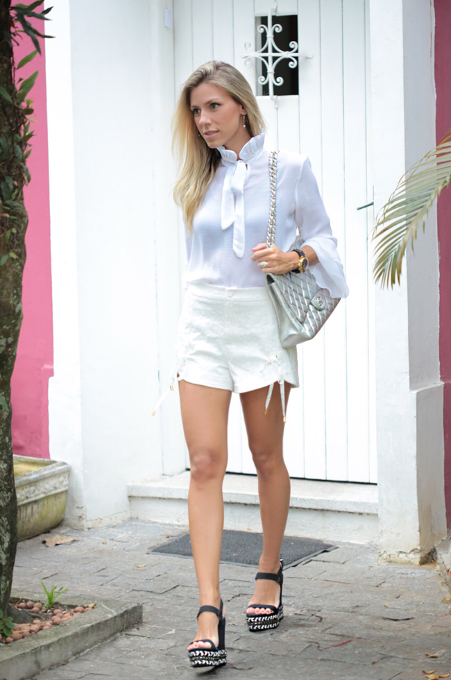 look-all-white